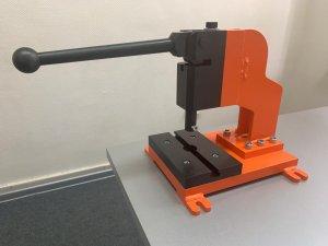 КБЭА разработало и запустило в производство ручной пресс ПТК-01